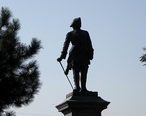 Памятник Петру в Таганроге