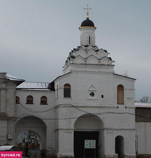 Владычный монастырь_Святые врата и надвратная церковь